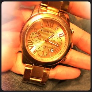 Michael Kors rose gold never worn nwot watch